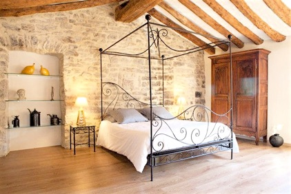 chambre-lit-king-size-large-bed-filtered_1