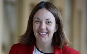 Ecosse, l'ancienne présidente du parti travailliste remporte son procès pour…