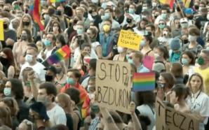 La Pologne manifeste pour la libération d'une militante LGBTQI+