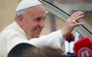 """Le Pape François soutient """"l'union civile"""" des couples homosexuels"""