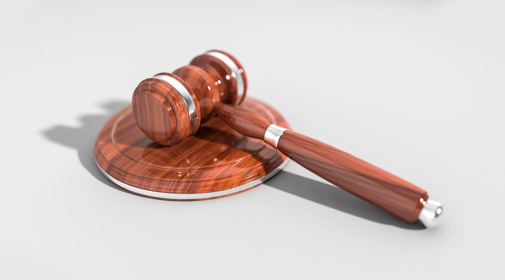 Puy-de-Dôme : condamnation de deux hommes pour l'agression d'un couple gay