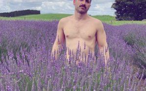 Elias, un homme nu par nature (et simplement)